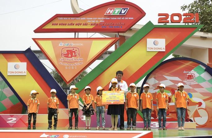 Tay đua Lê Nguyệt Minh trượt ngã ngay mức đến, bị cảnh cáo - Ảnh 6.