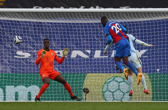 Chelsea mở đại tiệc bàn thắng, Man City thua sốc tân binh ở Etihad - Ảnh 4.