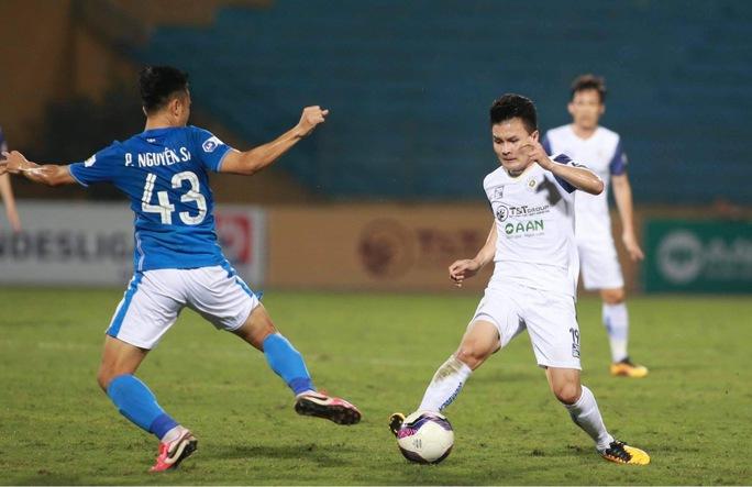 Hà Nội FC thắng đậm vẫn tiếp tục thay tướng - Ảnh 1.