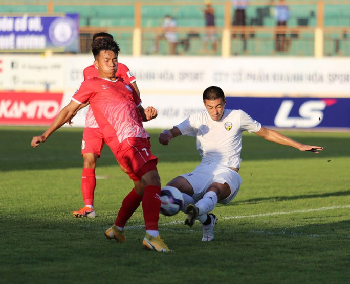Khánh Hòa bứt tốp sau 4 vòng đấu - Ảnh 1.