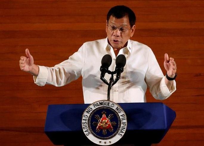 Tổng thống Duterte vắng bóng bí ẩn - Ảnh 1.