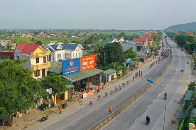 Giải xe đạp Cúp Truyền hình TP HCM: Trần Tuấn Kiệt tỏa sáng tại quê Bác - Ảnh 1.