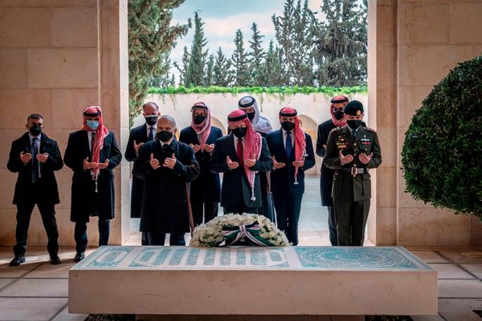 Không tưởng chuyện tranh quyền đoạt vị ở Jordan! - Ảnh 1.