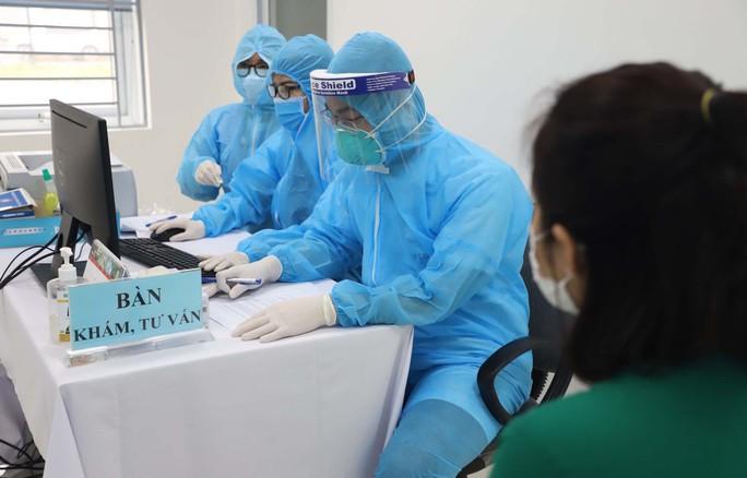 Thêm nhiều người sắp được tiêm vắc-xin Covid-19 miễn phí - Ảnh 1.