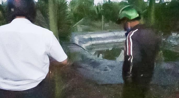 3 cháu nhỏ chết thương tâm dưới ao nước tưới cây ở Đồng Nai - Ảnh 1.