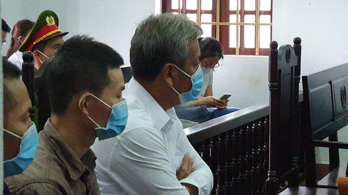 Đề nghị mức án đối với đại gia Trịnh Sướng và đồng phạm sản xuất, buôn bán xăng giả - Ảnh 2.