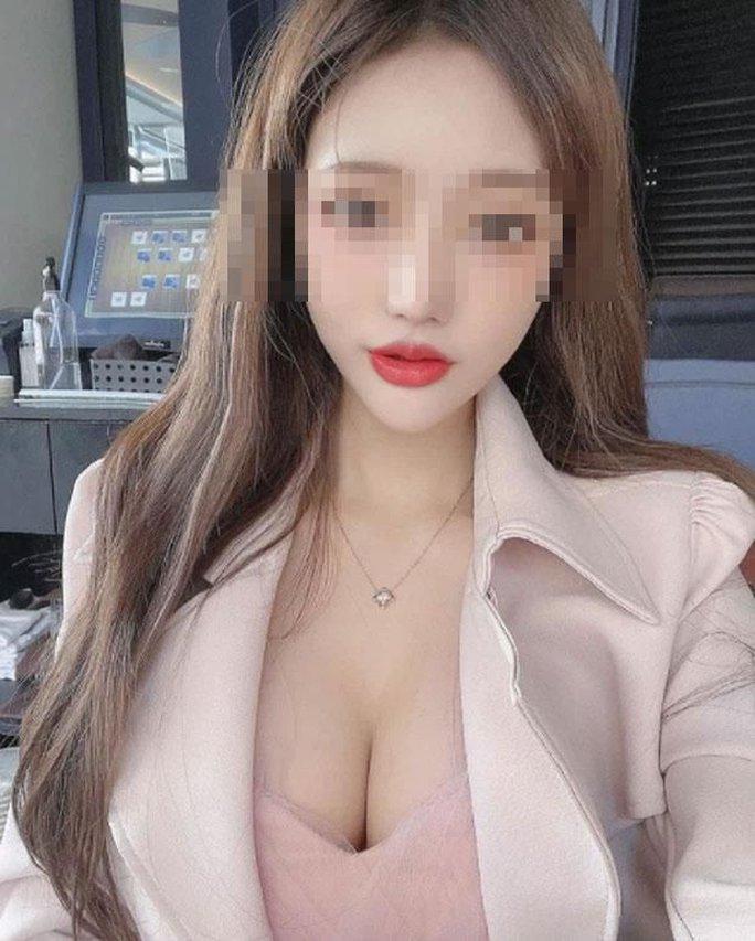 Hot girl rao bán ảnh 18+ qua livestream - Ảnh 3.