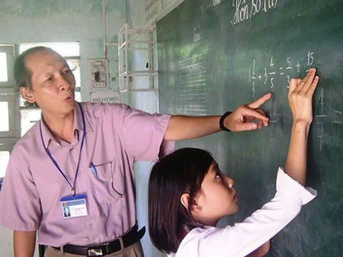 Quyền lợi của giáo viên nghỉ hưu chưa hưởng phụ cấp thâm niên - Ảnh 2.