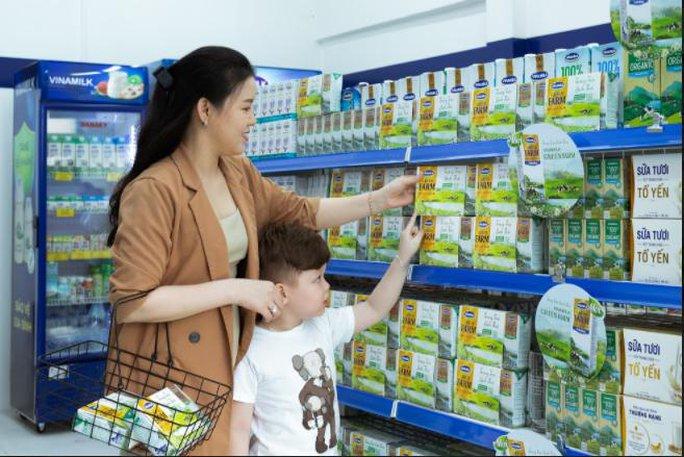 Vinamilk ra mắt sữa tươi Green Farm từ trang trại sinh thái - Ảnh 2.