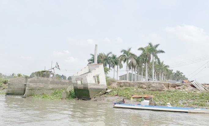 Lãnh đạo tỉnh An Giang nói về khai thác mỏ cát và sạt lở bờ sông - Ảnh 2.