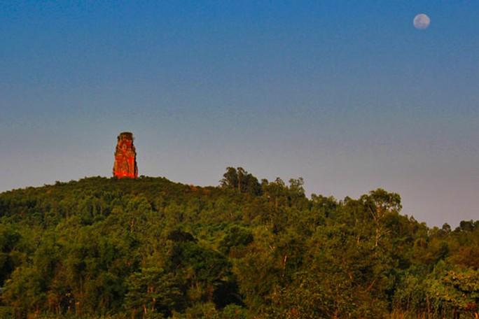 Mê hoặc tháp Chăm Bình Định - Ảnh 2.