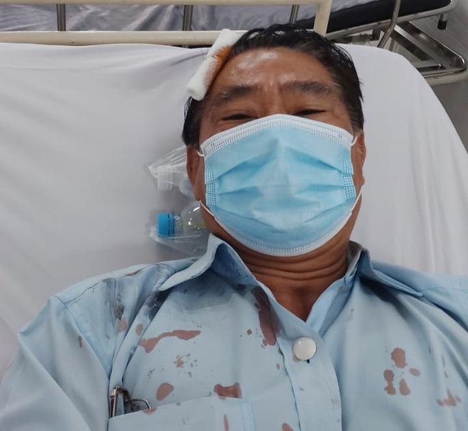 Ô tô cán bộ cơ sở cai nghiện Bình Triệu bị đánh trong cuộc họp lại bị tạt sơn - Ảnh 2.