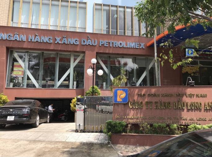 Bắt ông Lương Đình Tiến, Giám đốc Công ty xăng dầu Long An - Ảnh 5.
