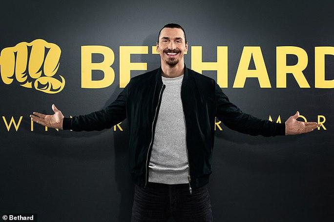 Kinh doanh cá cược, Zlatan Ibrahimovic lo bị hủy hoại sự nghiệp - Ảnh 1.
