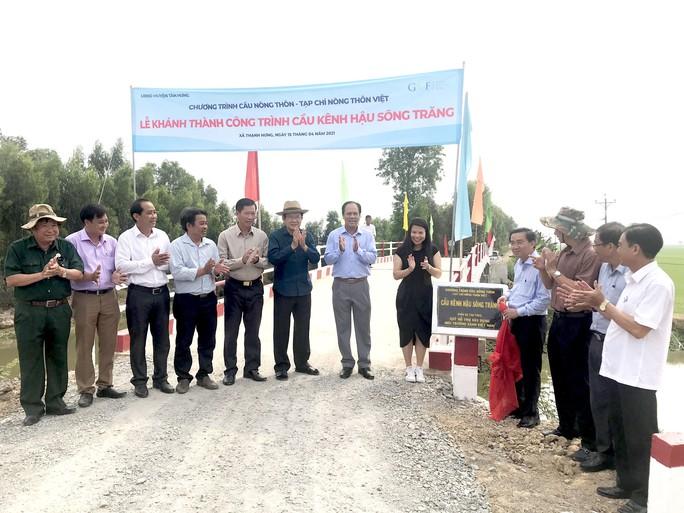 Nguyên Chủ tịch nước Trương Tấn Sang dự khánh thành 17 cầu nông thôn ở Long An - Ảnh 3.