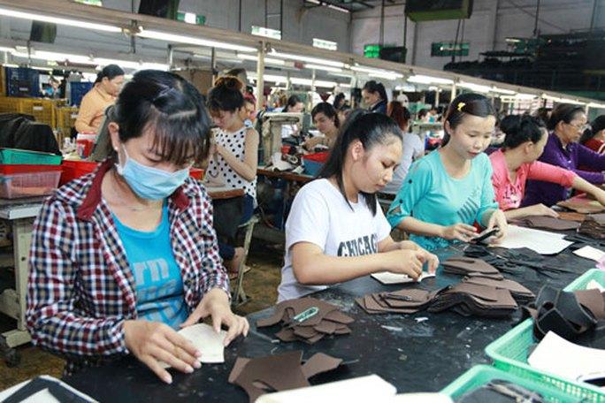 Đề xuất tiền lương đóng BHXH thấp nhất phải bằng 70% thu nhập - Ảnh 1.
