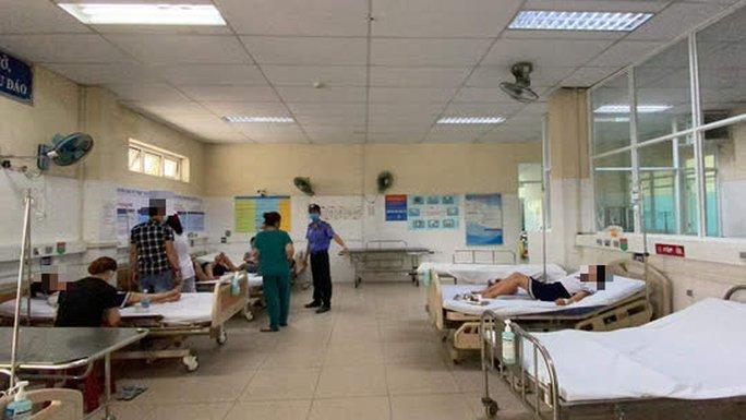 Chơi đất nặn slam, 34 học sinh lớp 3 ở Đà Nẵng nhập viện - Ảnh 1.
