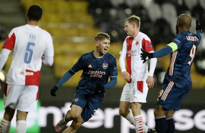 Arsenal đại phá Slavia Prague, đoạt vé bán kết Europa League - Ảnh 2.