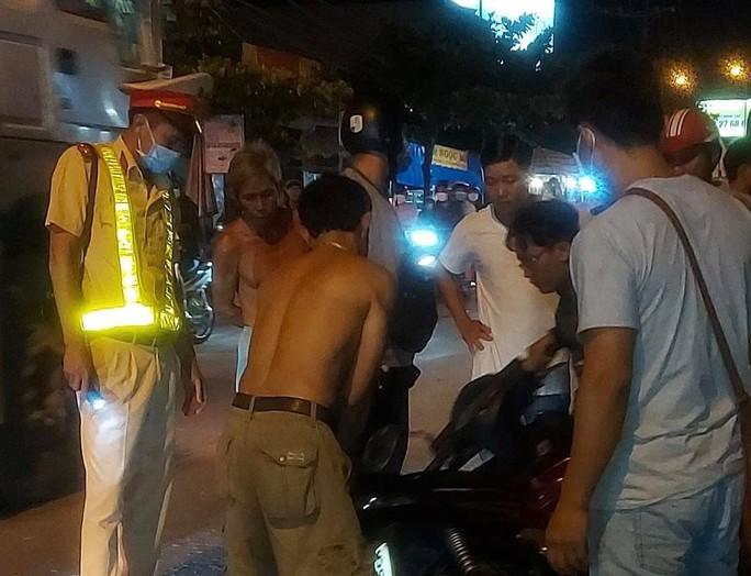 Thương tâm nữ sinh bị ô tô tông chết ở Cầu Xéo Long Thành rồi bỏ chạy - Ảnh 2.