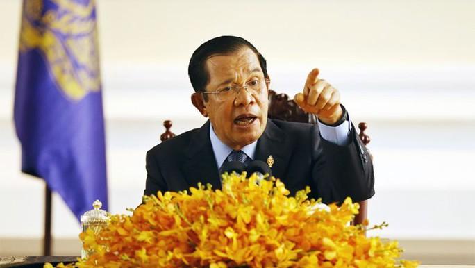 """Thủ tướng Campuchia ra """"tối hậu thư"""" về dịch Covid-19 - Ảnh 1."""