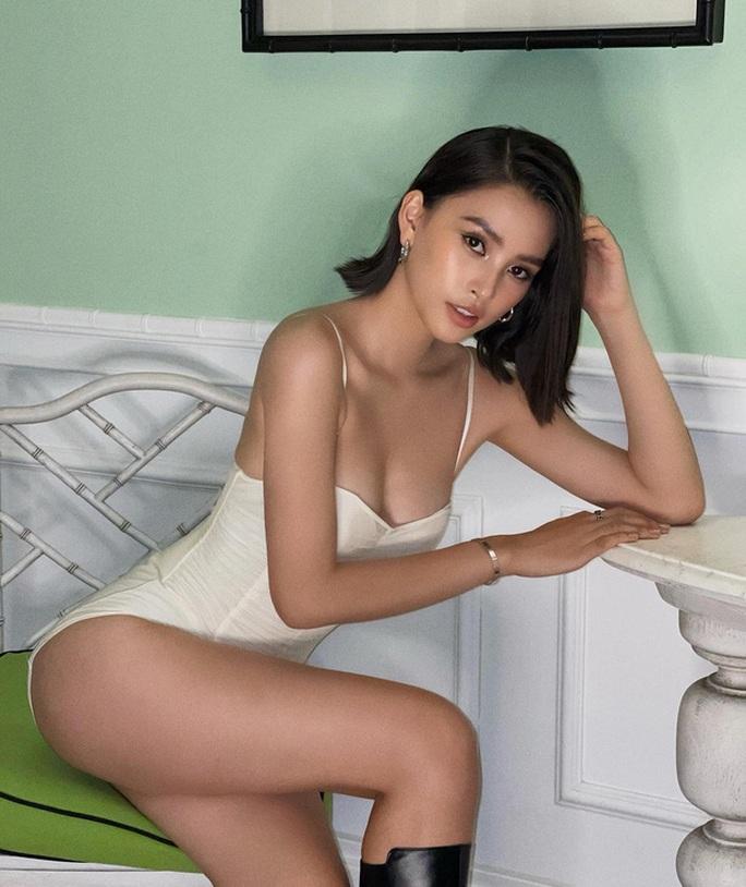 Hoa hậu Trần Tiểu Vy gia nhập hội người đẹp hở bạo - Ảnh 4.