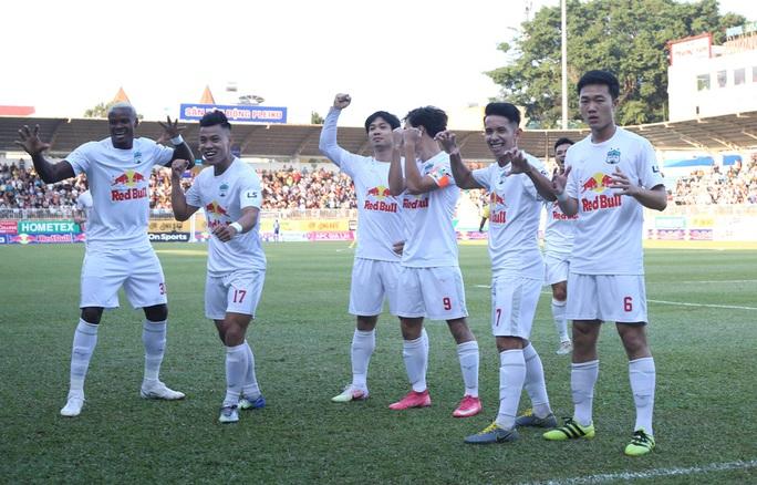 Xuân Trường tạo siêu phẩm tung lưới Hà Nội, giúp HAGL nối dài chuỗi trận thắng - Ảnh 3.