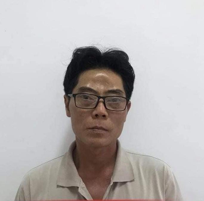 NÓNG: Bắt giữ nghi phạm hiếp dâm và sát hại bé gái 5 tuổi - Ảnh 2.