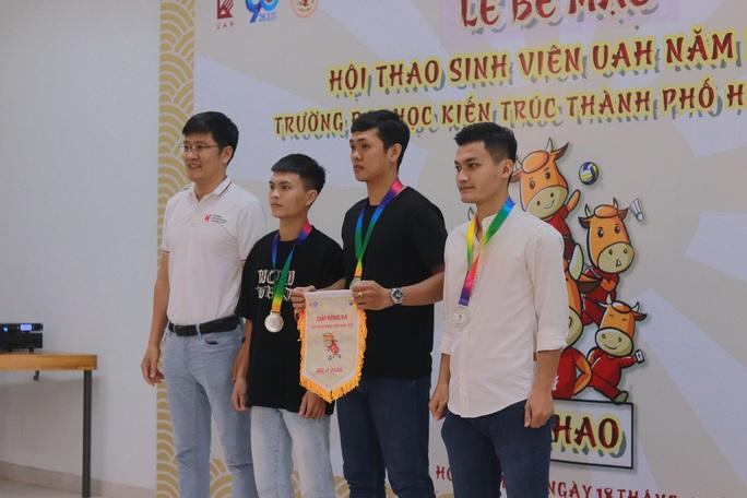 Trao giải hội thao Trường ĐH Kiến trúc TP HCM năm 2021 - Ảnh 2.