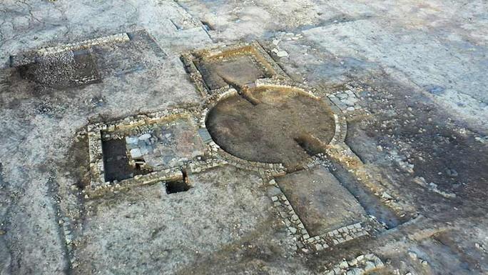 Xây nhà, lọt vào mê cung 1.900 tuổi là kho báu có 1 không 2 trên thế giới - Ảnh 2.