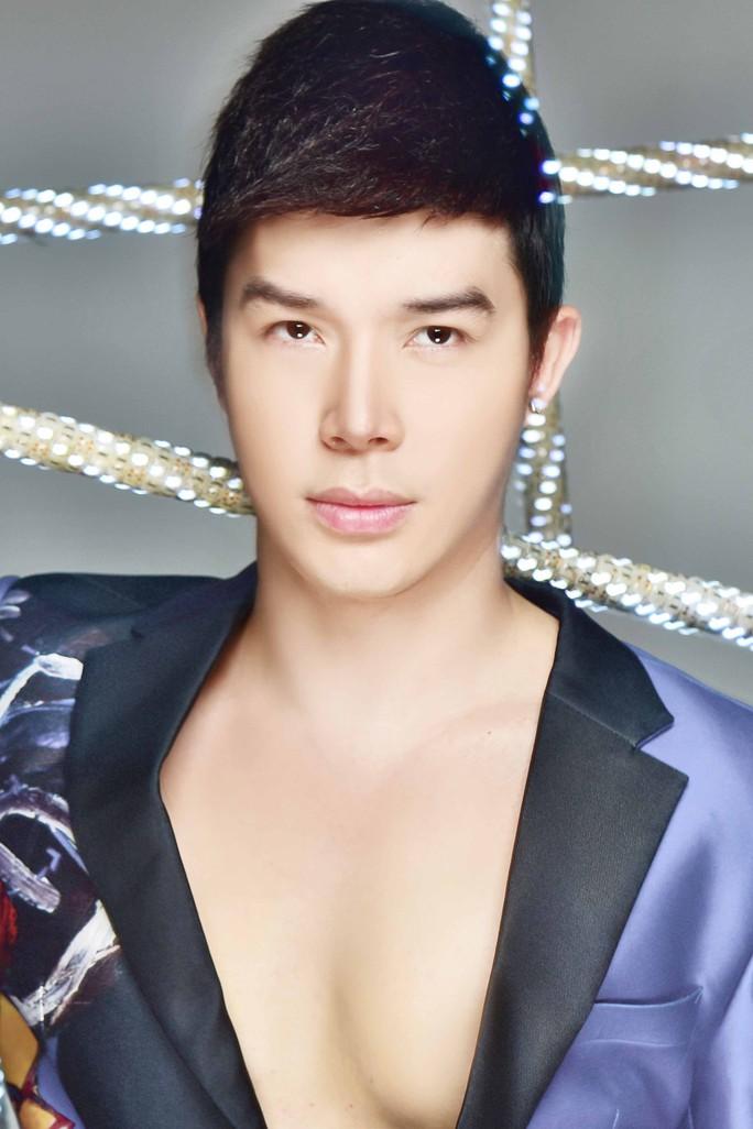 Cuộc chiến Nathan Lee- Ngọc Trinh vẫn sáng nhất mạng xã hội - Ảnh 2.