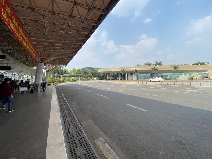 Xe công nghệ đầu tiên được mở làn riêng ở Tân Sơn Nhất - Ảnh 1.
