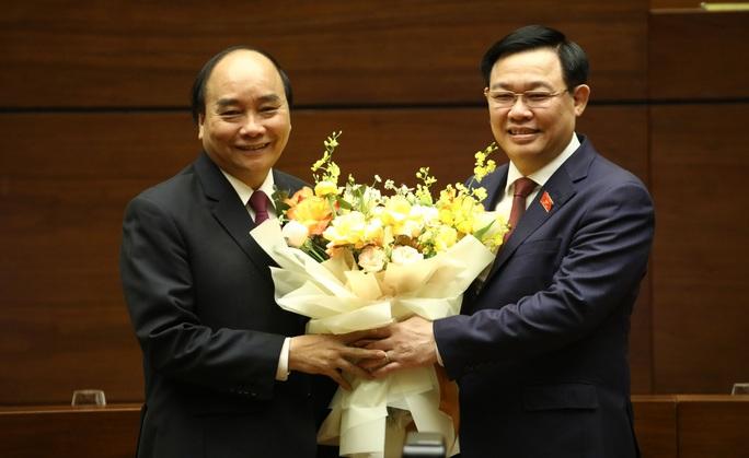 Quốc hội miễn nhiệm Thủ tướng Chính phủ Nguyễn Xuân Phúc - Ảnh 2.