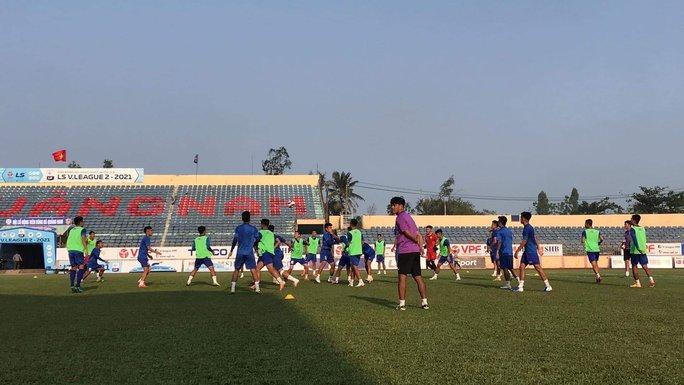 Quảng Nam đầu tư 40 tỉ đồng nâng cấp sân vận động Tam Kỳ - Ảnh 2.