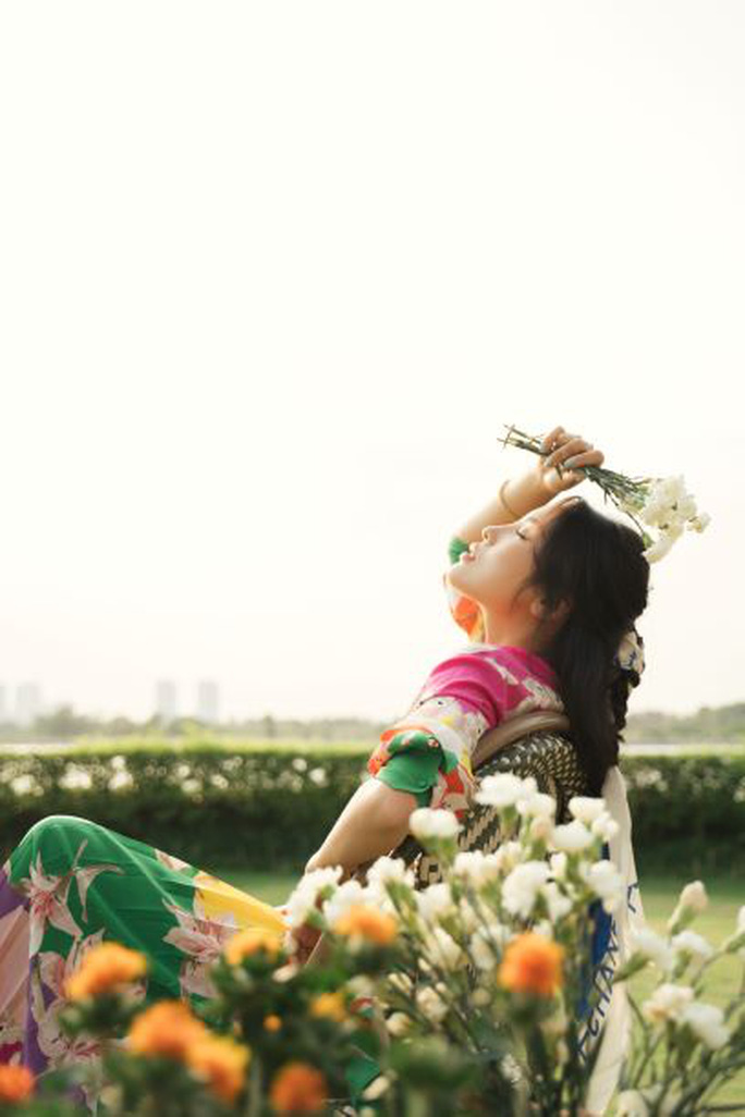 Hoa hậu Kỳ Duyên bất ngờ gây sốt bằng hình ảnh kín như bưng - Ảnh 11.