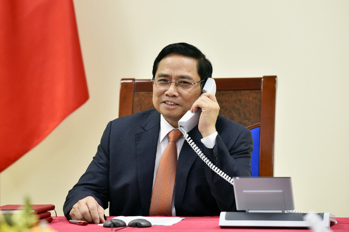 Thủ tướng Phạm Minh Chính điện đàm với Thủ tướng Singapore Lý Hiển Long - Ảnh 1.