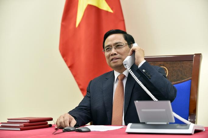 Thủ tướng Phạm Minh Chính điện đàm với Thủ tướng Singapore Lý Hiển Long - Ảnh 2.