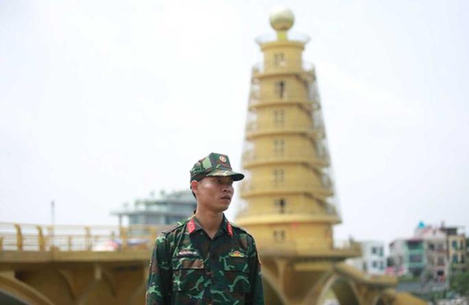 Khoảng 20 ngàn người hành hương về Đền Hùng trong ngày Giỗ Tổ - Ảnh 1.
