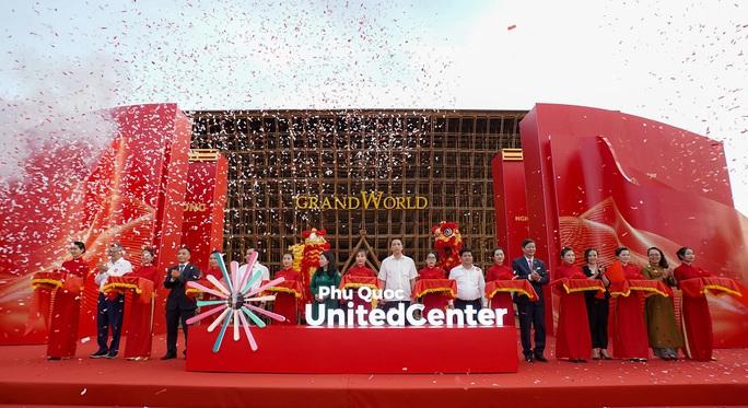 Vingroup khai trương siêu quần thể nghỉ dưỡng, vui chơi, giải trí tại Phú Quốc - Ảnh 1.