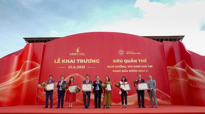 Vingroup khai trương siêu quần thể nghỉ dưỡng, vui chơi, giải trí tại Phú Quốc - Ảnh 2.