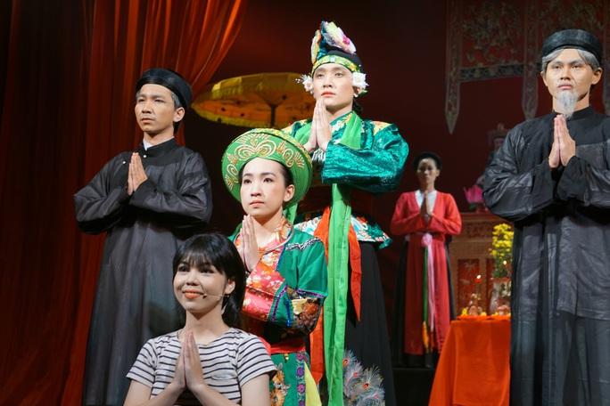 Hữu Nghĩa xúc động khi diễn viên trẻ đưa di sản văn hóa lên sân khấu kịch - Ảnh 3.