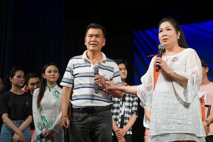 Hữu Nghĩa xúc động khi diễn viên trẻ đưa di sản văn hóa lên sân khấu kịch - Ảnh 6.
