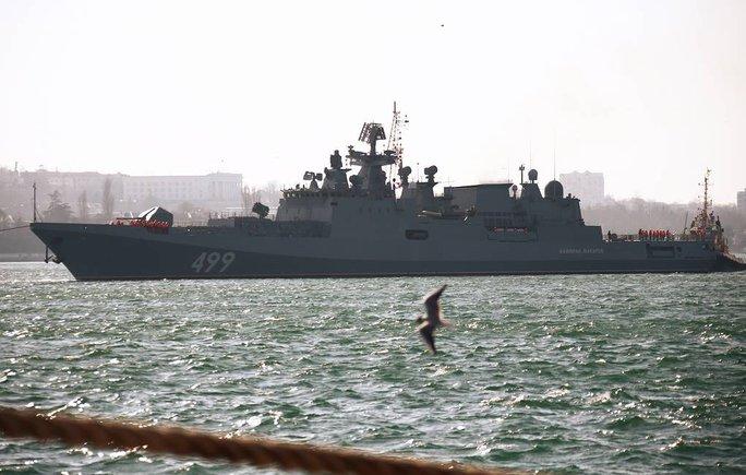 Biên giới Nga - Ukraine cực nóng, Nga ra lệnh hạn chế bay gần Crimea - Ảnh 3.