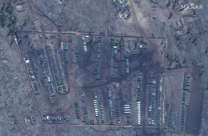 Biên giới Nga - Ukraine cực nóng, Nga ra lệnh hạn chế bay gần Crimea - Ảnh 6.