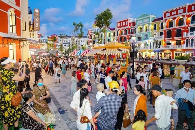 """Phú Quốc có khu """"thành phố không ngủ"""" hàng đầu Đông Nam Á - Ảnh 3."""