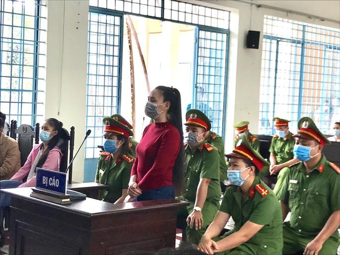 Xuyên tạc lãnh đạo Đảng, nhà nước trên Facebook, 1 phụ nữ bị phạt 2 năm tù - Ảnh 1.
