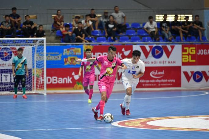 Giải Futsal HDBank: Kịch tính đua đầu bảng - Ảnh 1.