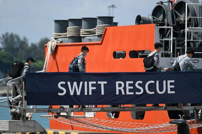 Nhiều nước giúp Indonesia tìm tàu ngầm mất tích - Ảnh 1.