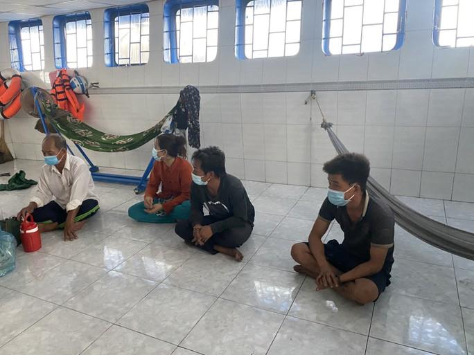 CLIP: Phú Quốc và An Giang phát hiện 16 người từ Campuchia nhập cảnh trái phép - Ảnh 2.
