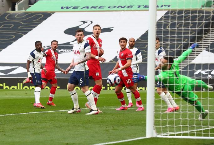 Ngược dòng đẳng cấp, Tottenham bay vào Top 6 Ngoại hạng Anh - Ảnh 2.