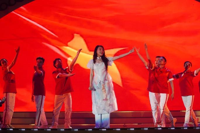 Hoành tráng chương trình nghệ thuật Bài ca Lạc Việt - Ảnh 2.